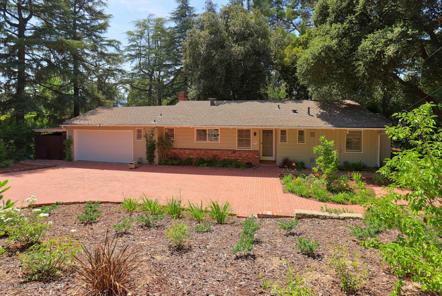5311 Jessen Drive, La Canada Flintridge, California