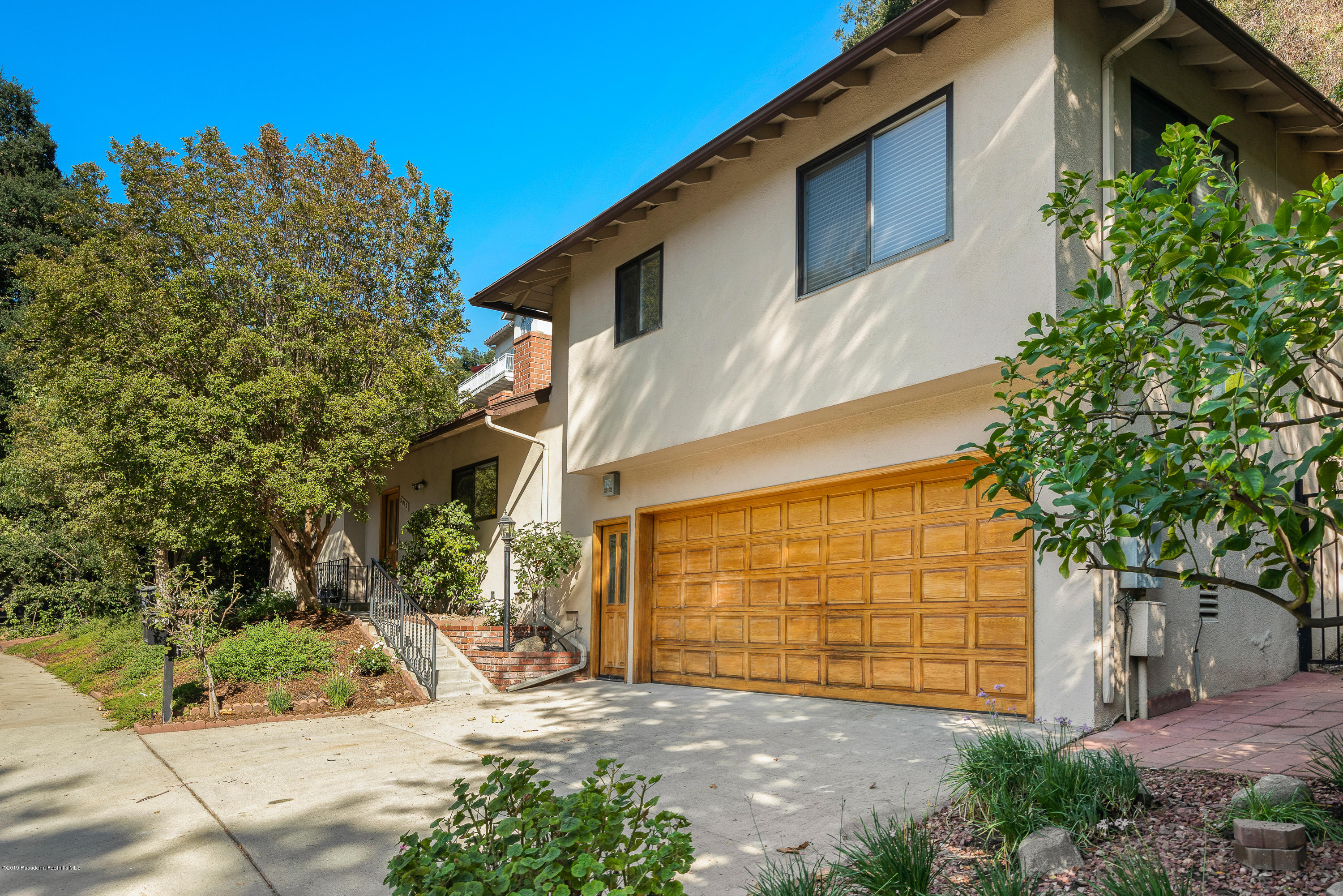 3012 E Chevy Chase Drive, Glendale in Los Angeles County, CA 91206 Home for Sale
