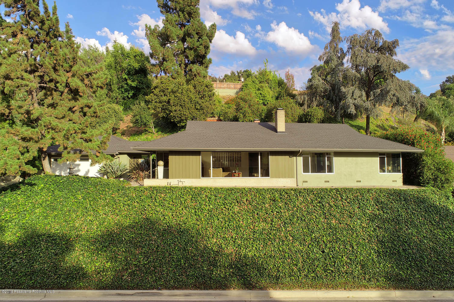 3418 Sierra Glen Road, Glendale, California