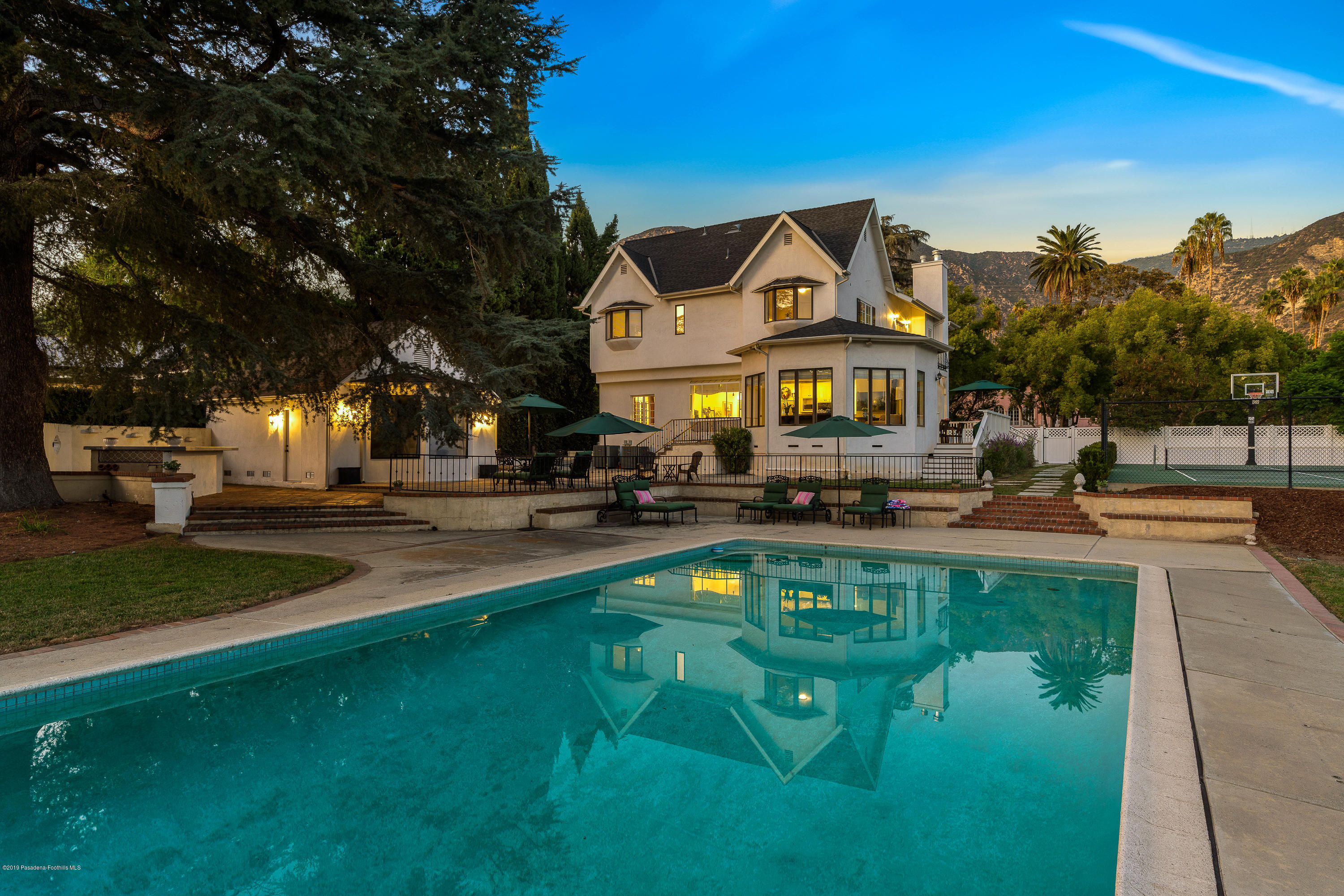 1964 Glenview Terrace, one of homes for sale in Altadena
