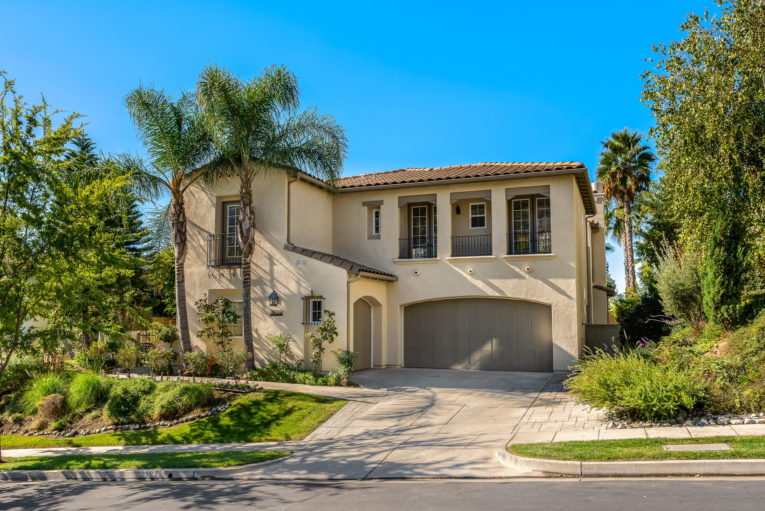 3829 Luna Court, Altadena, California