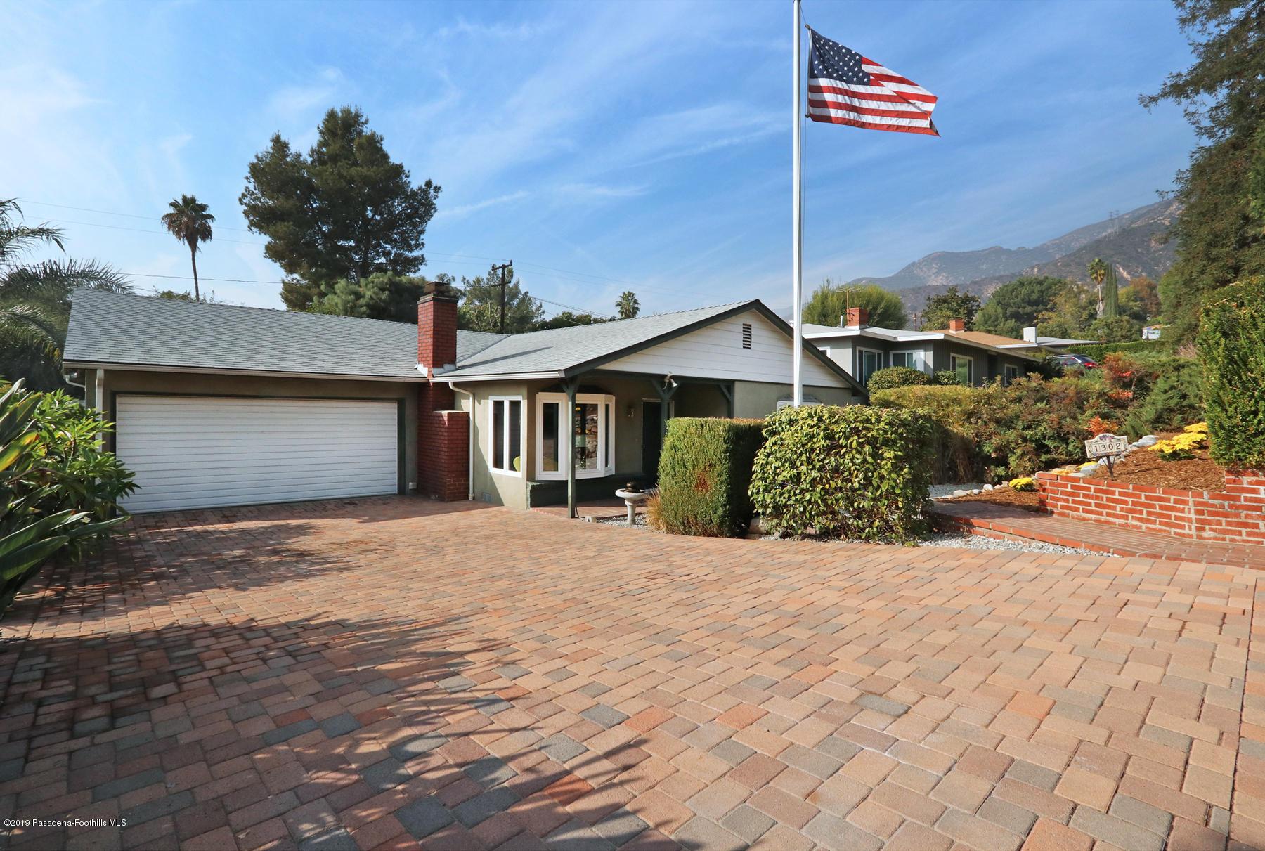 1302 E Loma Alta Drive, Altadena, California