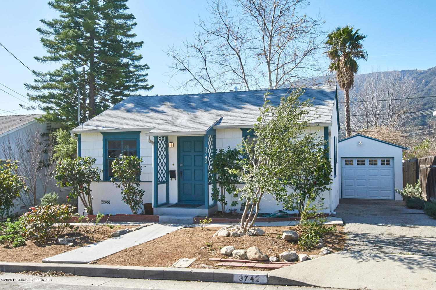 3742 5th Avenue, Glendale, California