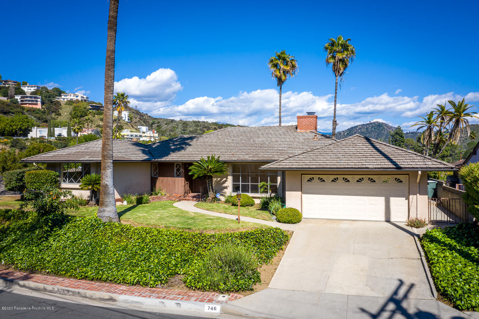746 Avonglen Terrace, Glendale, California