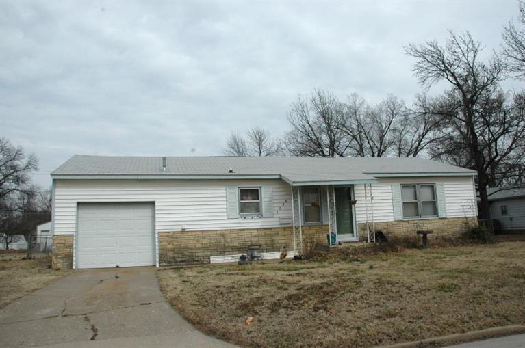 Real Estate for Sale, ListingId: 32587439, Cherryvale,KS67335