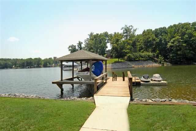 Single Family Home for Sale, ListingId:22349292, location: 4625 Water Oak Drive Lake Wylie 29710