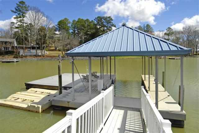 Single Family Home for Sale, ListingId:22748017, location: 4089 River Oaks Road Lake Wylie 29710