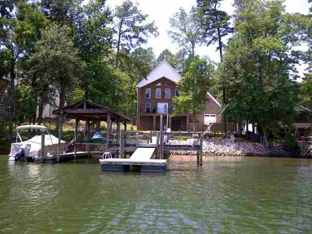 Single Family Home for Sale, ListingId:23535734, location: 5600 RIVERFRONT RD Lake Wylie 29710