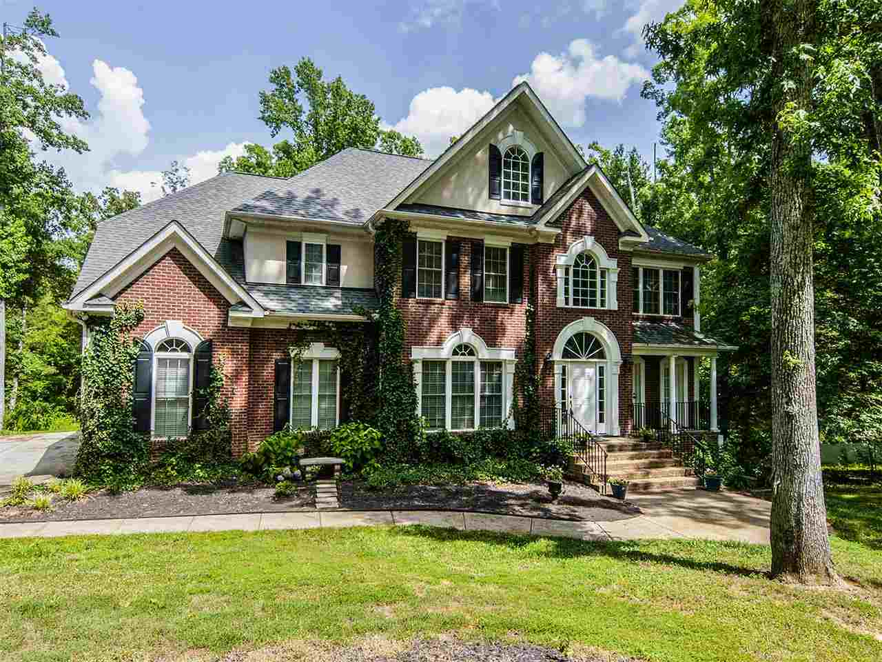 Single Family Home for Sale, ListingId:28897037, location: 1300 BOWATER ROAD Rock Hill 29732