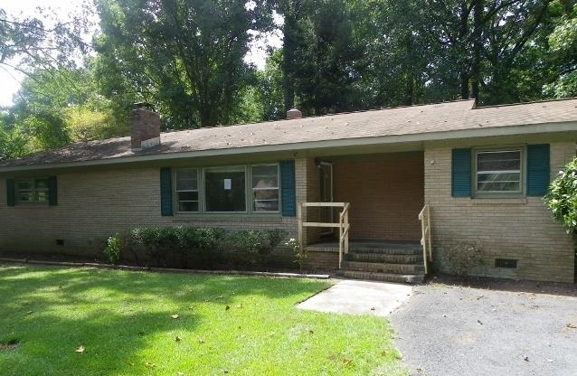Single Family Home for Sale, ListingId:30260606, location: 1635 W Lakewood Dr Rock Hill 29732
