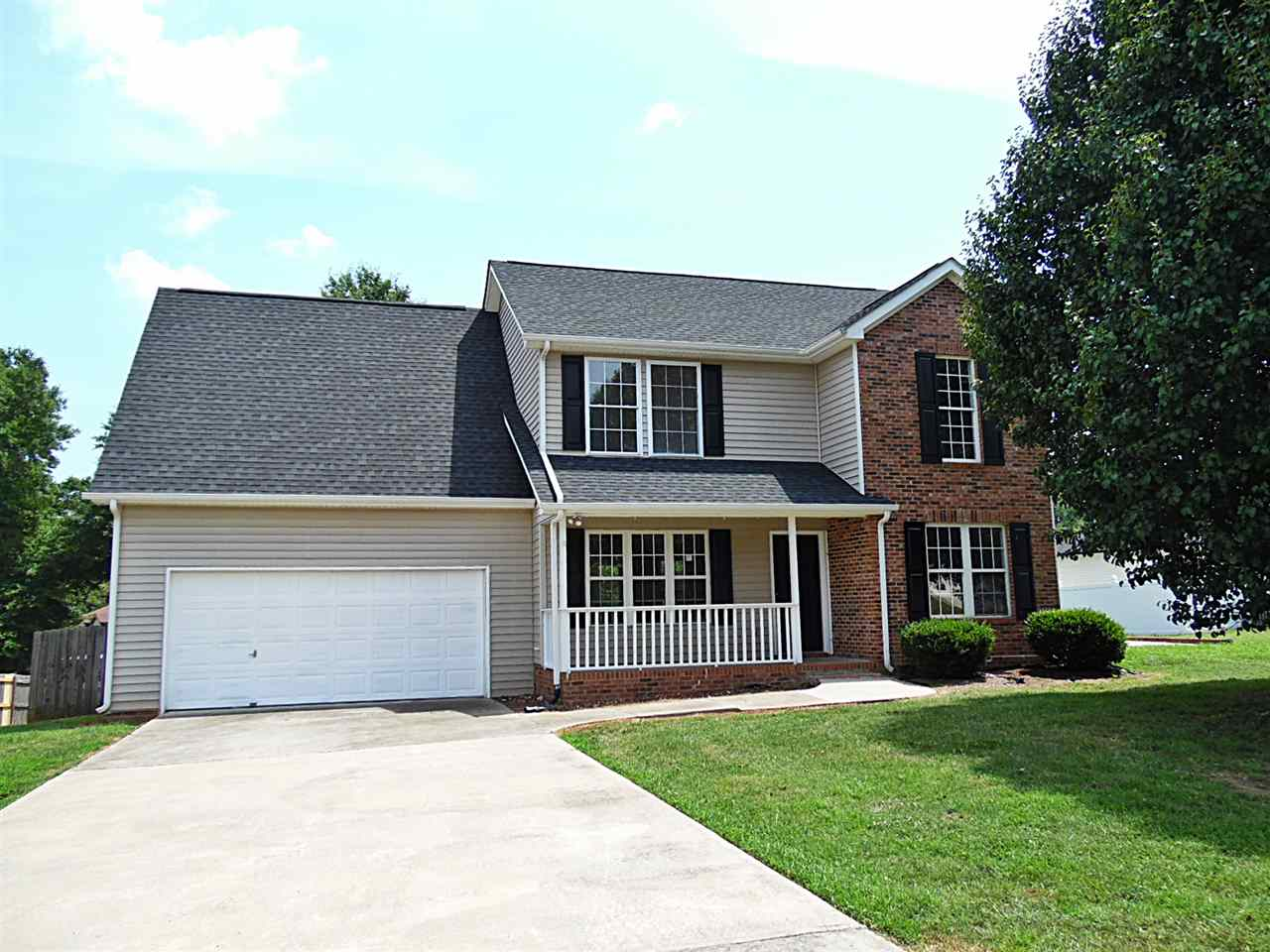 Single Family Home for Sale, ListingId:31799093, location: 380 Eden Oaks Drive Rock Hill 29730