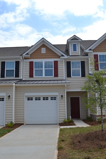 Single Family Home for Sale, ListingId:32301565, location: 450 Clouds Way Rock Hill 29732