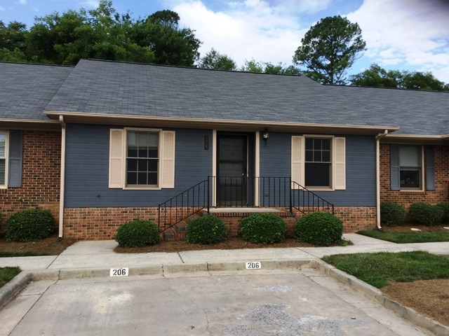 Single Family Home for Sale, ListingId:34168553, location: 206 Pointe Circle Rock Hill 29732
