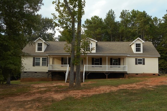 1628 Windy Hill Ln, Great Falls, SC 29055