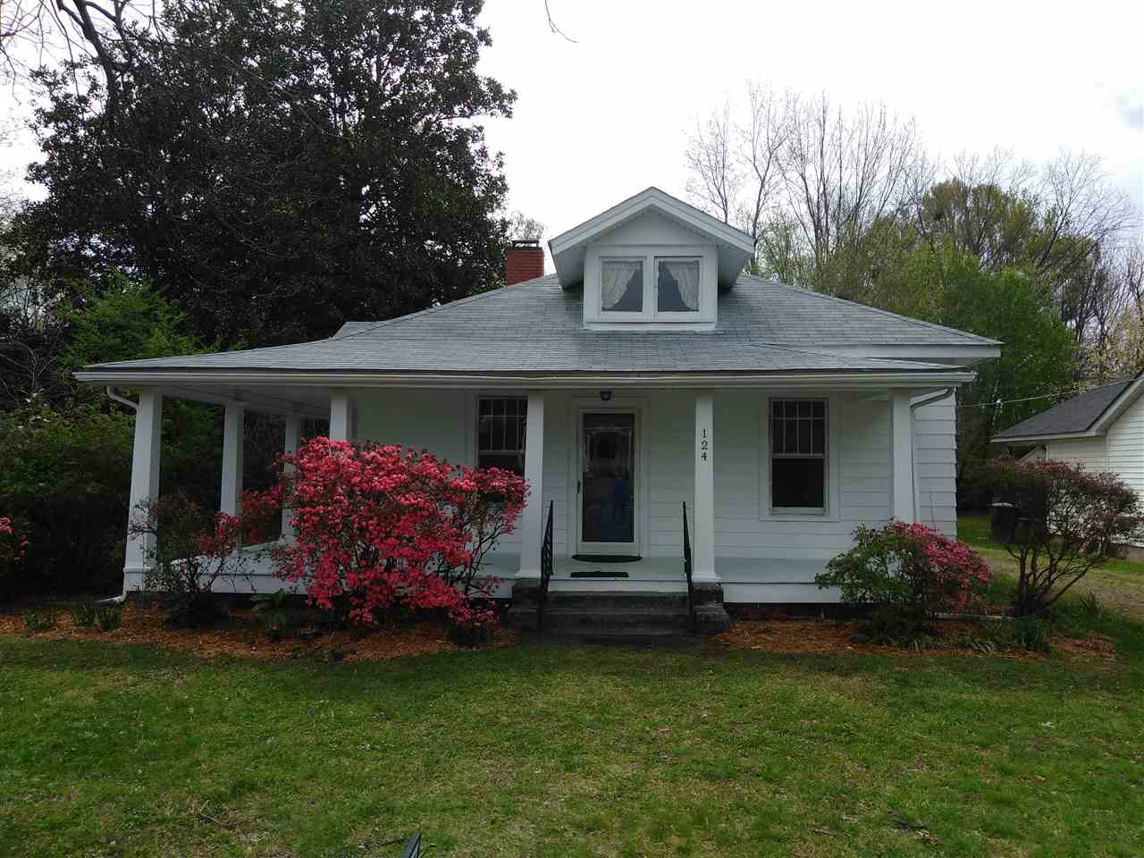 124 Charlotte St, York in York County, SC 29745 Home for Sale