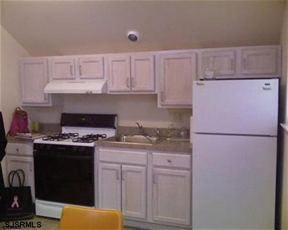 Rental Homes for Rent, ListingId:27253250, location: 35 N New Hampshire Ave Atlantic City 08401