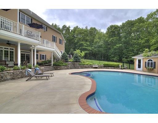 Real Estate for Sale, ListingId: 34080536, Windham,NH03087