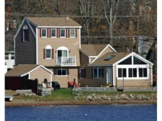 17 N Shore Rd, Derry, NH 03038