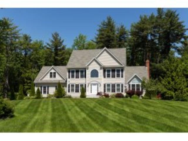 43 Muirfield Dr, Stratham, NH 03885