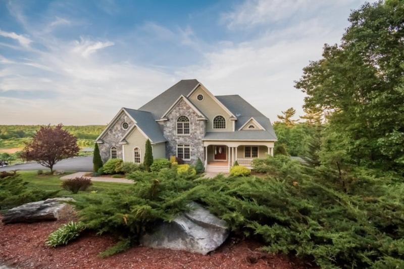 Real Estate for Sale, ListingId: 30265067, Windham,NH03087