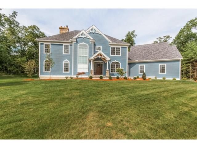68 Heritage Hill Rd, Windham, NH 03087