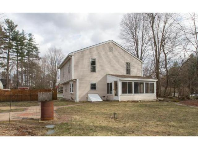 33 Summit Ave, Derry, NH 03038