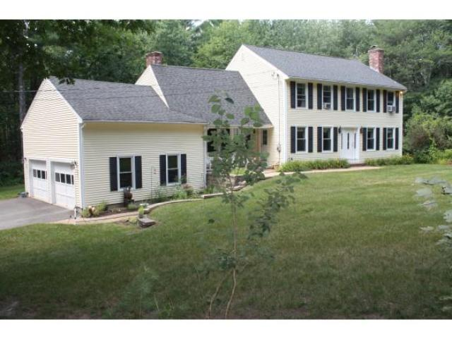 63 Hooker Farm Rd, Salem, NH 03079