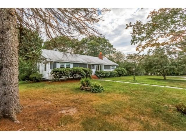 8 Sunset Ave, Derry, NH 03038