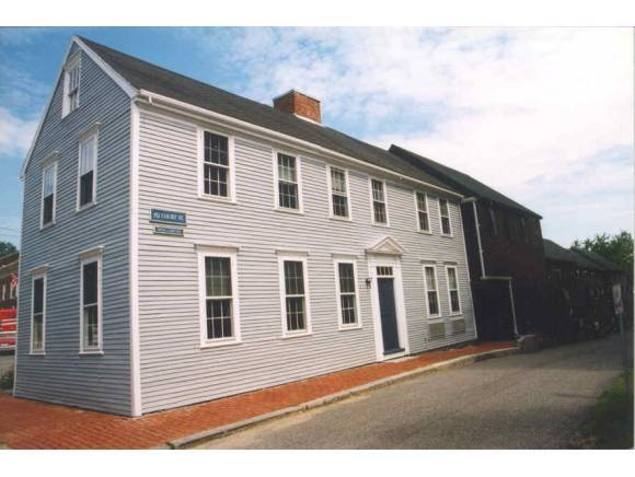 152 Court St # 1b, Portsmouth, NH 03801
