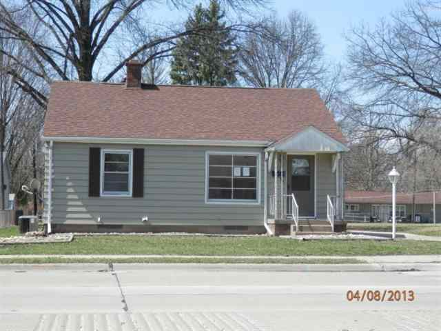 4337 7th St, East Moline, IL 61244