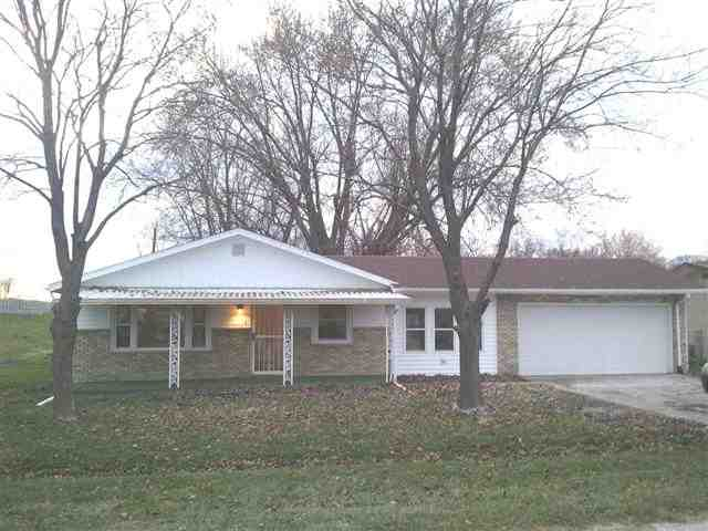 3937 15th St # C, Moline, IL 61265