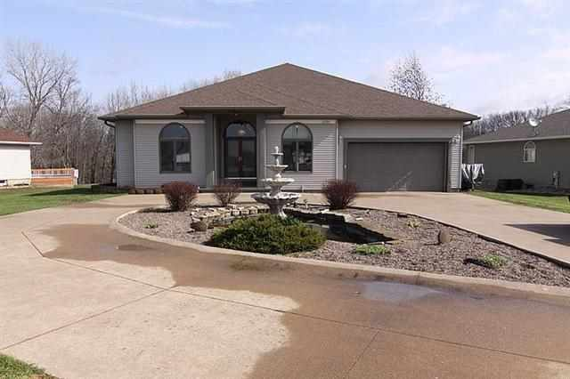 201 Lake View Ct, Colona, IL 61241