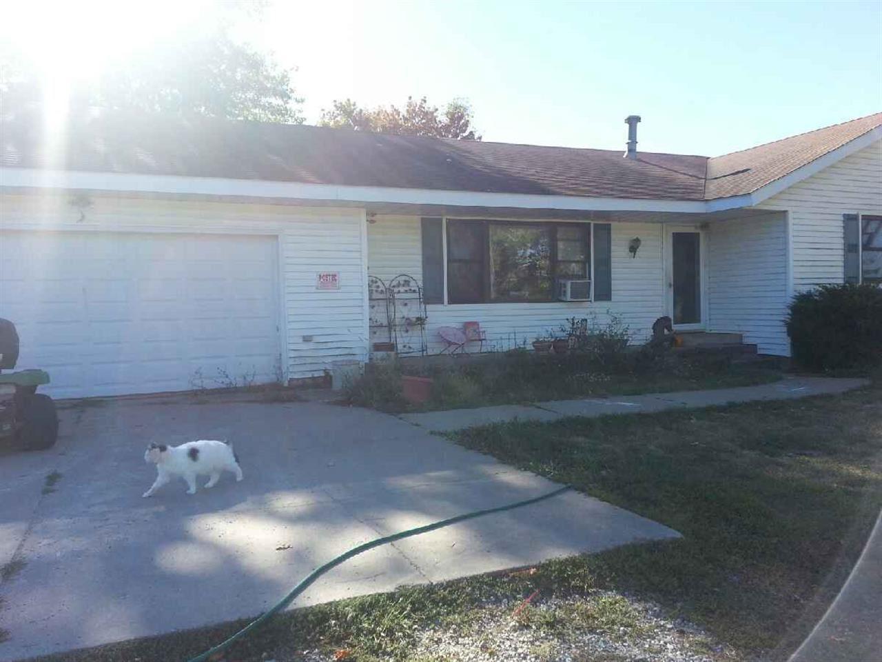 Real Estate for Sale, ListingId: 25518589, Viola,IL61486