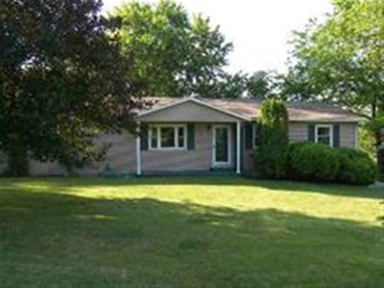 Rental Homes for Rent, ListingId:27565330, location: 11 BOUNTIFUL Court Bettendorf 52722