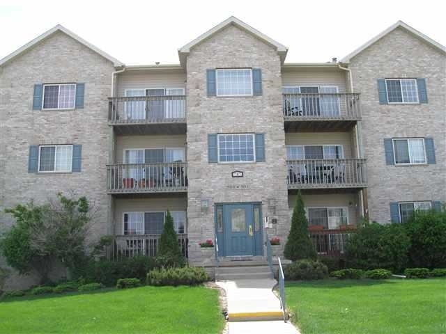Rental Homes for Rent, ListingId:28061277, location: 3107 HOLIDAY Court Bettendorf 52722