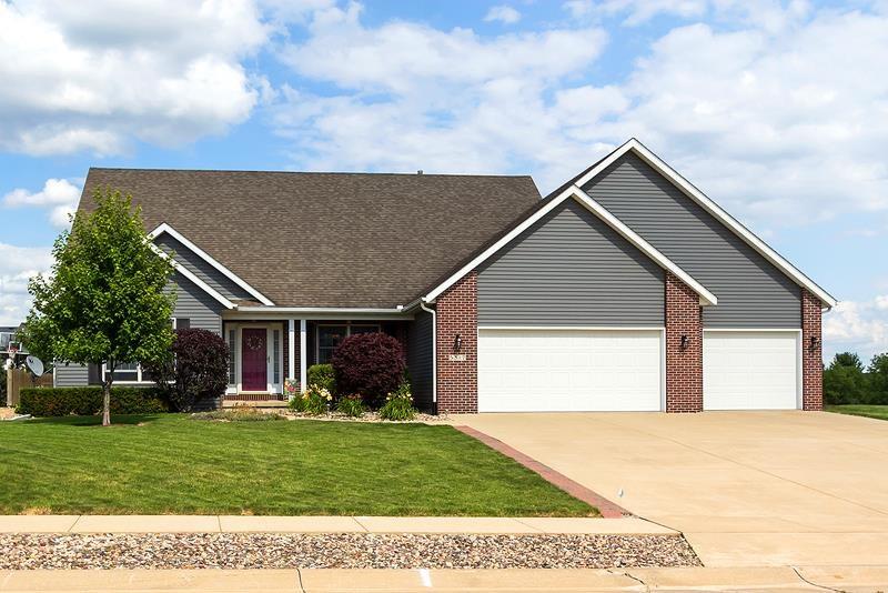 Real Estate for Sale, ListingId: 29099216, Bettendorf,IA52722