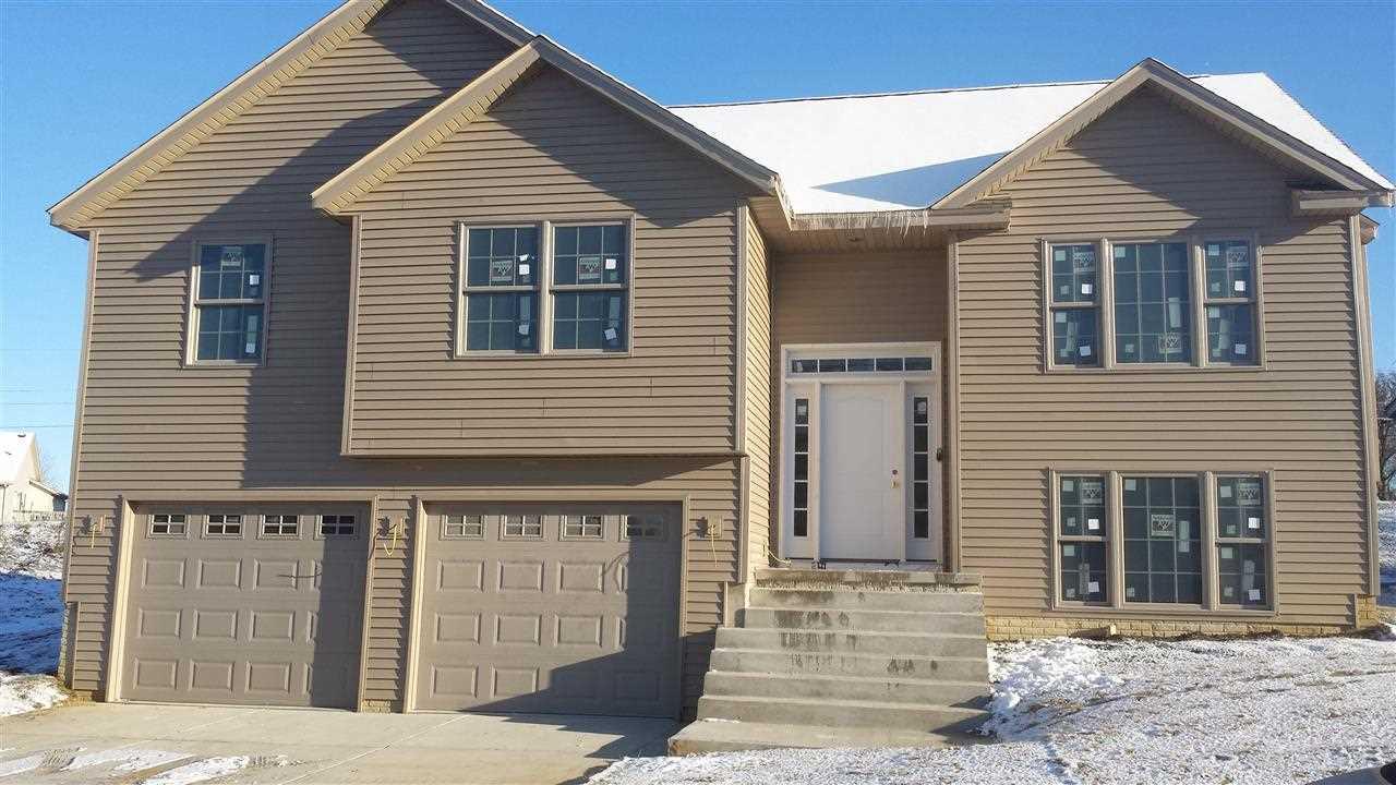 Real Estate for Sale, ListingId: 29104035, Davenport,IA52804