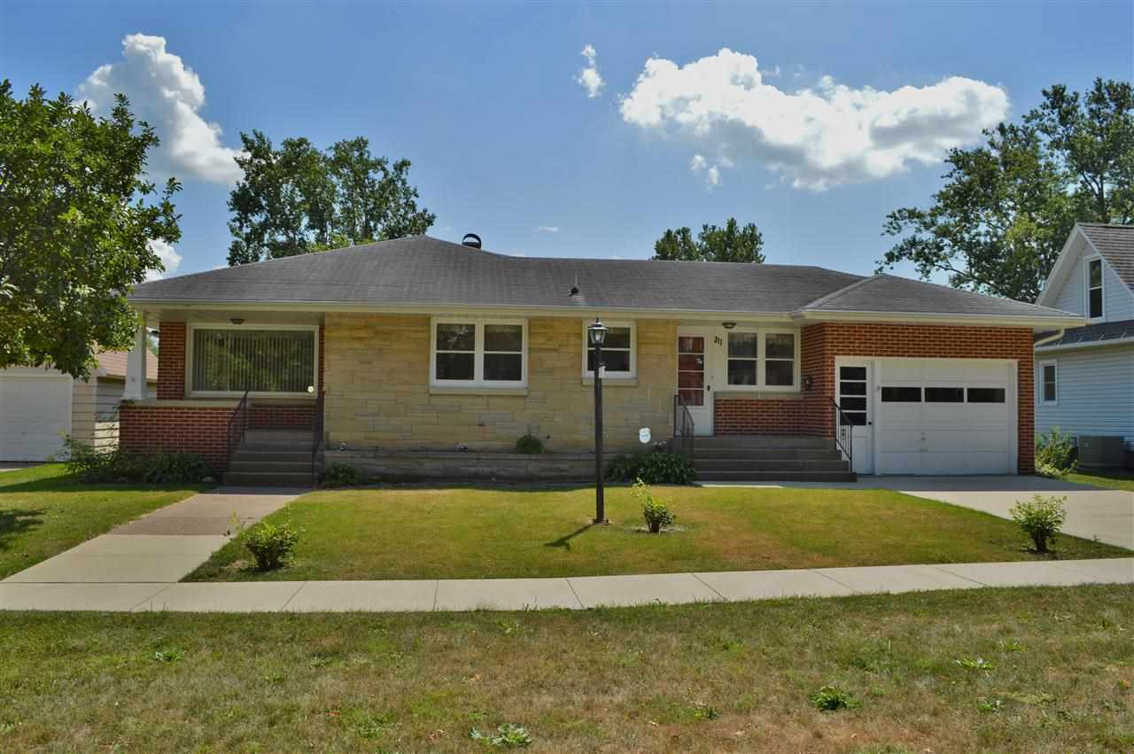 Real Estate for Sale, ListingId: 29579733, de Witt,IA52742