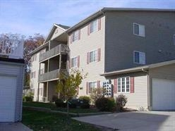 Rental Homes for Rent, ListingId:30592022, location: 3822 CREEK HILL Drive Bettendorf 52722