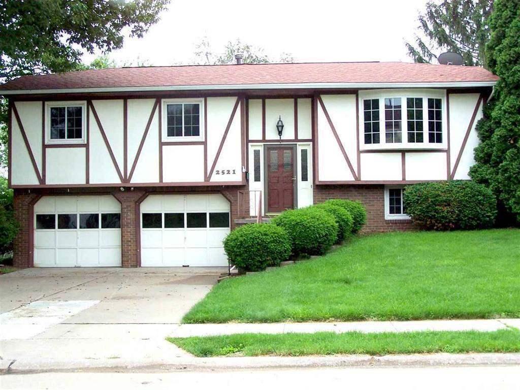 Rental Homes for Rent, ListingId:31030452, location: 2521 E 34TH ST CT Street Court Davenport 52807