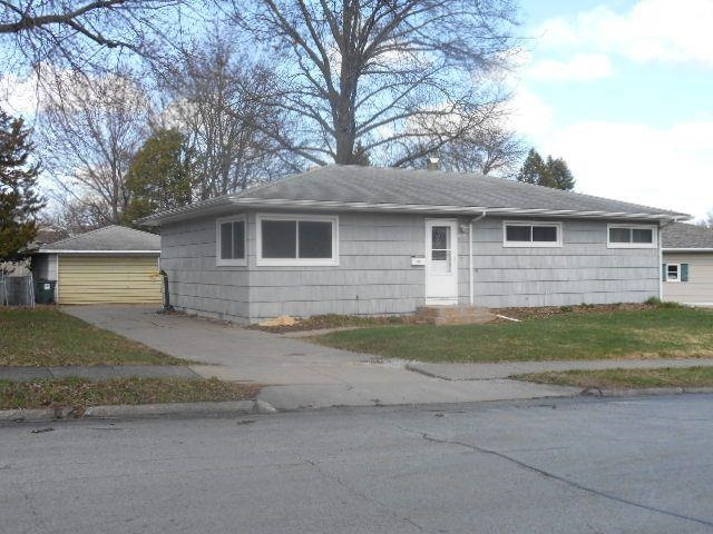 Rental Homes for Rent, ListingId:31824158, location: 2640 CEDAR Street Davenport 52804