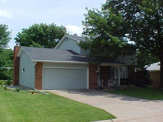 Rental Homes for Rent, ListingId:31862147, location: 1715 VALLEY VISTA Bettendorf 52722