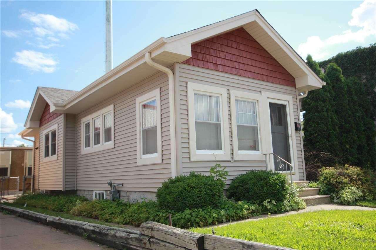 Rental Homes for Rent, ListingId:31965278, location: 3316 AVE OF THE CITIES Avenue Moline 61265