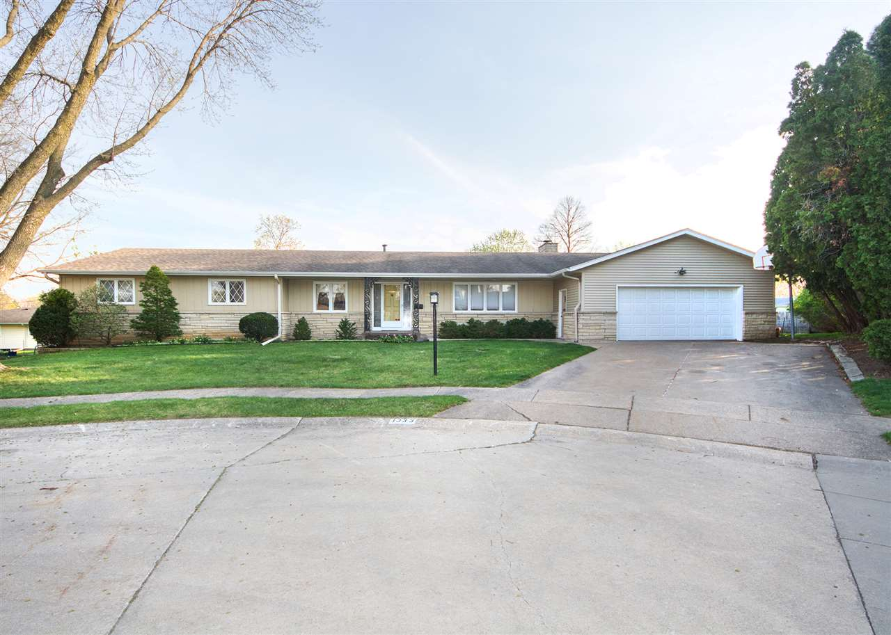 Real Estate for Sale, ListingId: 32045247, Davenport,IA52804