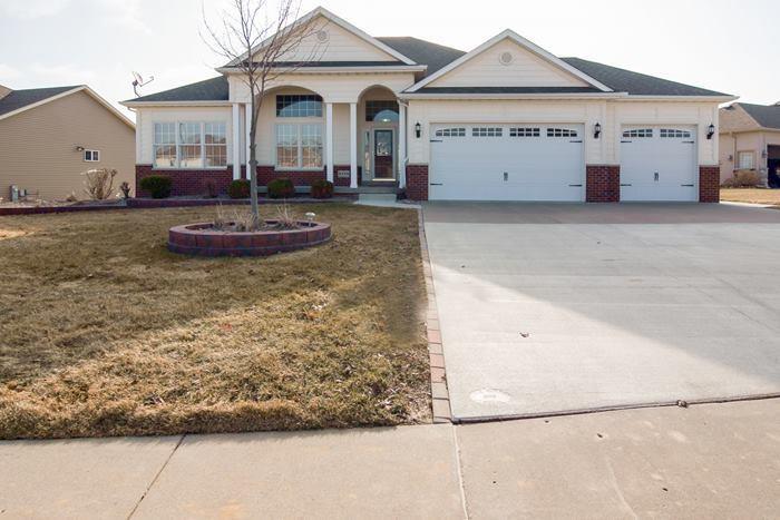 Real Estate for Sale, ListingId: 32387759, Davenport,IA52807