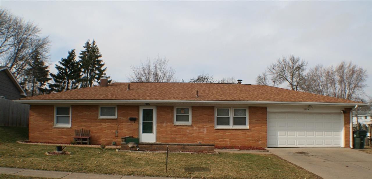 Real Estate for Sale, ListingId: 32399307, Davenport,IA52804