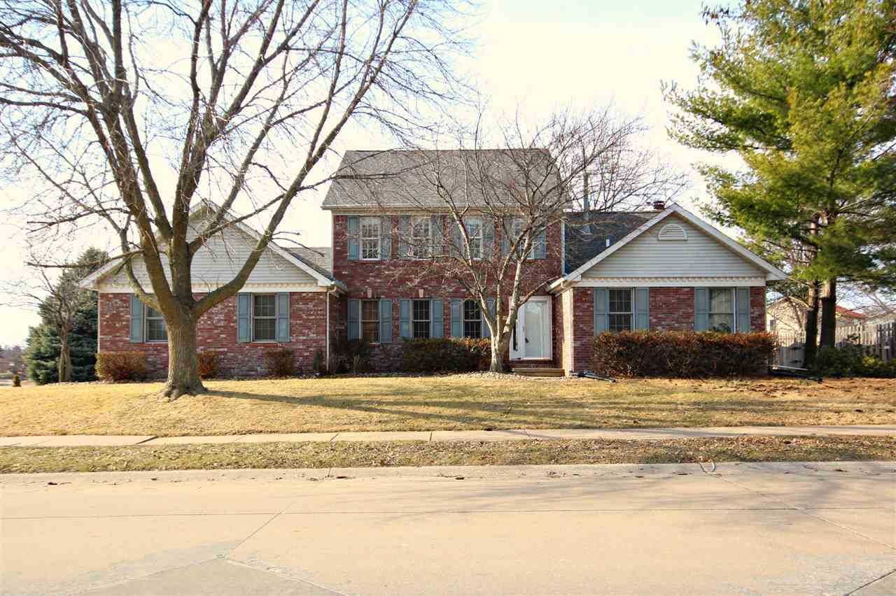 Rental Homes for Rent, ListingId:32455489, location: 3614 DEER SPRINGS Drive Bettendorf 52722