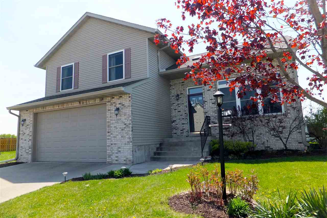 Real Estate for Sale, ListingId: 32683410, Davenport,IA52804