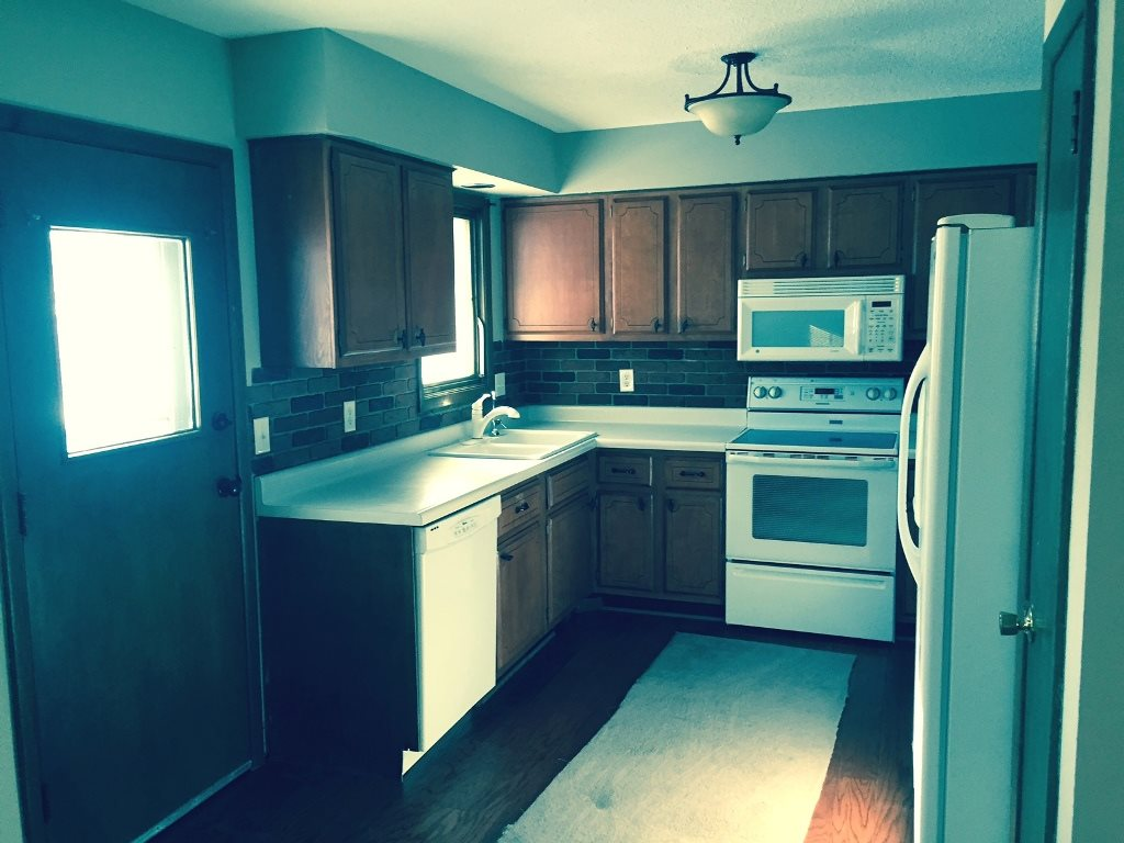 Rental Homes for Rent, ListingId:32946766, location: 3345 SUNNYHILL Bettendorf 52722