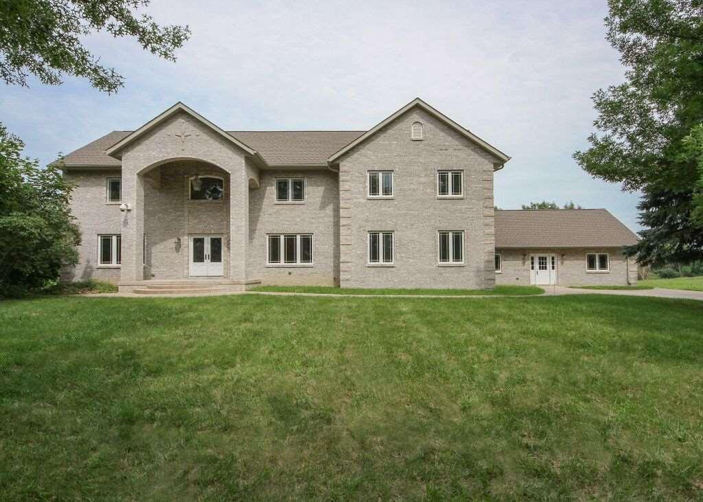 Real Estate for Sale, ListingId: 33971181, Davenport,IA52804
